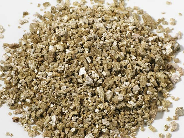 Vermiculite For Insulation / Insulating 100L Litre Bag